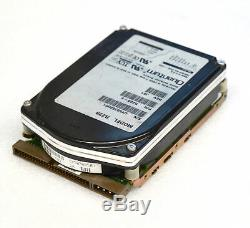 Vintage 3,5 8,89 cm 2,1GB quantum Hard Drive P/N RZ28-E Scsi HDD Samler O740