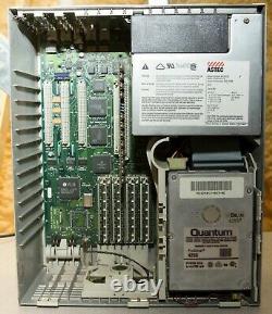 Vintage Apple Macintosh IIci 32MB RAM 425MB SCSI hard drive powers on